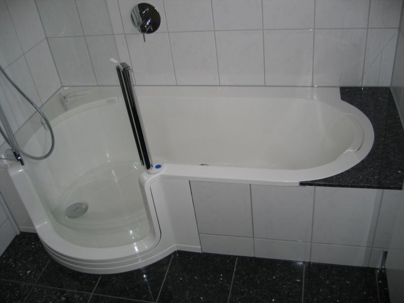 badewannen mit duschzone badewanne mit tur duscholux. Black Bedroom Furniture Sets. Home Design Ideas